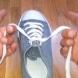 Това наистина ще промени живота ви! Вижте как да си вържете обувките за 1 секунда (ВИДЕО)
