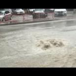 Порой и град удариха български град, улиците се превърнаха в реки