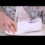 Тя взе белите си гуменки и ги превърна в истински хит. След това видео и вие ще искате такива (Видео)