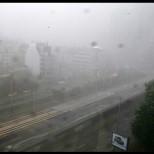 В момента: Страшна буря с градушка и гръмотевици се извива над София