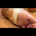 Просто увих парче хляб около стъпалото си и си легнах. О, чудо! На сутринта краката ми бяха неузнаваеми!