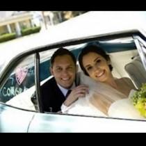 Съпругата му починала, а две години по-късно, полицията видя снимки от сватбата и забеляза нещо важно!