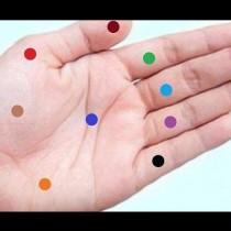 Той натисна няколко точки на дланта с големината на една монета и зачака. Резултатът беше изненадващ!