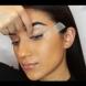 Лице на Клеопатра за 1 минута! Този начин на гримиране променя всичко! (ВИДЕО)