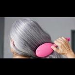 Мама е на 60 и няма нито един бял косъм! Тайната? Просто е и всеки го може:...