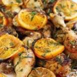 Печено пиле с билки и цитрусови плодове