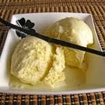 Сладолед с ванилия и мед