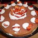 Бърза торта с ягоди