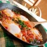 Лесна вечеря - домати с парени яйца