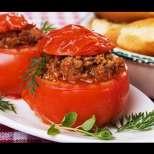 Вкусни пълнени домати