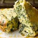 Царевичен кекс със спанак и сирене