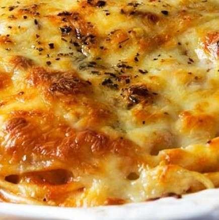 Вкусна вечеря - печени спагети