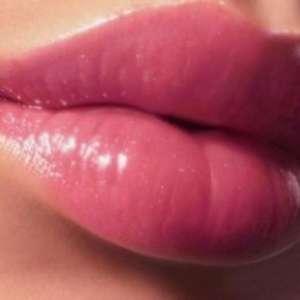 Три стъпки за съблазнителни и сочни устни