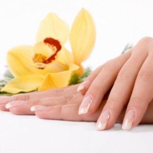Рецепти за здрави нокти с домашни средства