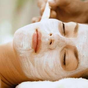 Бързи домашни маски срещу бръчки на лицето