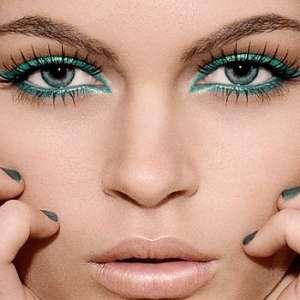 Как да гримираме очите си според цвета им