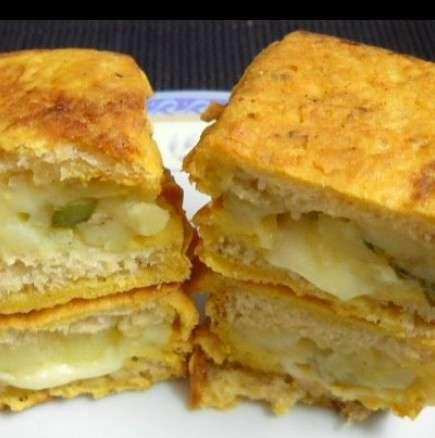 Вкусни хлебчета с пикантно сирене