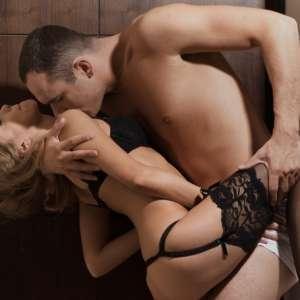 Кои са любимите секс пози на мъжете, а жените мразят