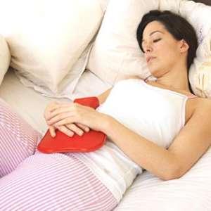Полезни билки, които помагат при силни менструални болки
