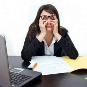 Как да облекчим уморените очи с природни средства