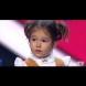 Ще ви увисне ченето, като чуете уменията на това 4-годишно момиченце да говори на седем езика
