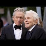 Днес Холивуд празнува една жива легенда: вечният Кърк Дъглас става на цели 100 години! Ето тайната на дълголетието му: