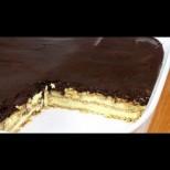 Не чакам повод, за да я приготвя - тя прави и най-скучния ден празник! Гениално бърза еклерова торта без печене: