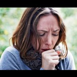 Рецепта от учебника по пулмология-Лек срещу силна кашлица действа само до няколко часа