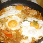 Пържено с яйца на очи