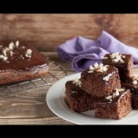 Измерете с чаша, бъркайте пет минути и пригответе най-бързия и вкусен шоколадов сладкиш
