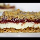 Превкусен домашен сладкиш със сладко от малини