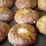 Селски ретро хлебчета със сирене и масло