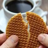 Как се правят прочутите холандски вафлички с карамел