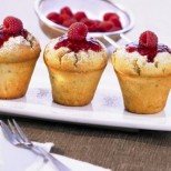 В сезона на малините - малки плодови кексчета