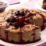 Бисквитена торта с вкусен крем и шоколад