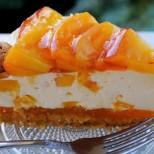 Лека бишкотена торта с праскови