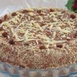 Торта с пълнеж от вафлички