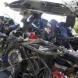 Товарен влак удари автобус, четирима загинали