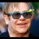 Сър Елтън се застъпи за руските гейове