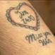 Внучка татуира 86-годишната си баба