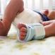 Умно технологично чорапче следи състоянието на бебето