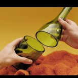 Все се замислям, преди да изхвърля употребените стъклени бутилки-Ето сега им намерих място! Супер идейки!
