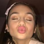 Малката Крисия заприлича на фолк певица