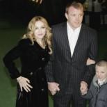 Синът на Мадона й Гай Ричи е пораснал много! На кого от двамата прилича повече?