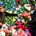 Ето защо Църквата не иска да се носят върху гробовете изкуствени цветя!