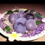 За оригинално боядисани яйца не ви трябват бои, а много лесно могат да станат лилави