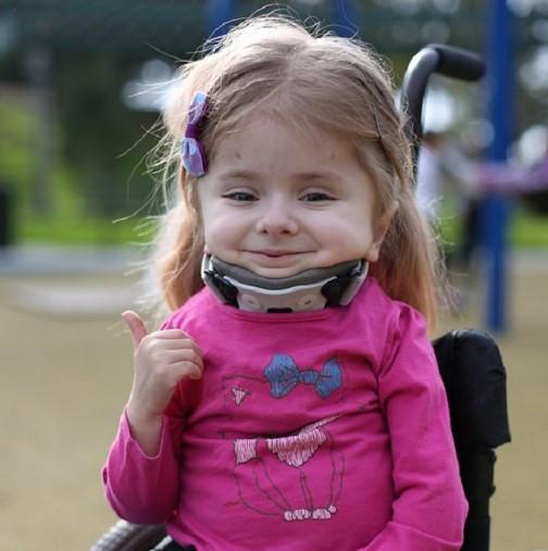 Когато чули диагнозата на малката Зои, те били съкрушени, но вярата и борбата ги правят по-силни