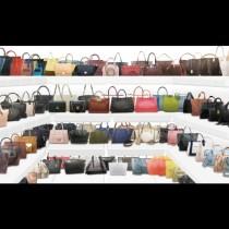 Чантата на лято 2017: Моделът, който спечели всички жени по света! (Снимки)