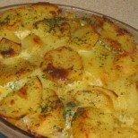 Перфектните сочни печени картофки с пухкава заливка - кой ли ще им устои?