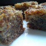 Може и да е калорична, но е невероятно вкусна: сочна сладка баница с орехи и стафиди
